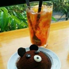 Bánh gấu + trà đào của Hà Thu tại Urban Station Coffee Takeaway - Chùa Láng - 1026810