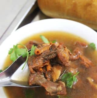 http://tea-3.lozi.vn/v1/images/resized/banh-mi-sot-vang-104785-1456128056