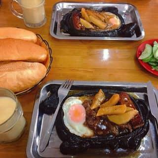 Bánh mỳ bít tết ốp la của oliverdoll tại 103 Trần Phú, Đồng Tâm, Thành Phố Yên Bái, Yên Bái - 1303280