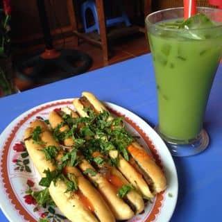 Bánh mỳ cay + chè thái  của krisie tại 121 Yên Ninh, Thành Phố Yên Bái, Yên Bái - 878380