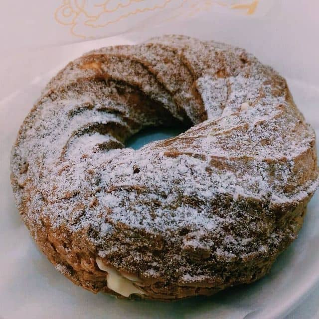 Bánh su kem vanilla của Kiều ThịBảoBối tại Beard Papa's - Royal City - 124659