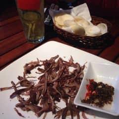 Bò khô chấm trứng kiến vàng của Vũ Vân tại Vuvuzela Beer Club - Nguyễn Bỉnh Khiêm - 153576