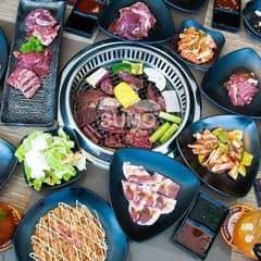 Nướng ở Sumobbq là nhấttttt :xxx Có vô vàn loại thịt và hải sản tha hồ chọn lựa. Gia vị ướp thì đậm đà đa dạng. Ăn bao nhiêu cũng không biết chán hihiii. Ngoài ra còn không bị ám mùi nữa. Cho 100 điểm luôn nhaaaa
