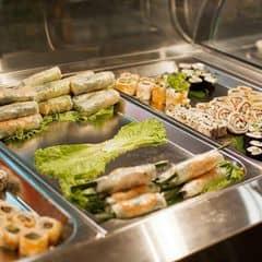 các món cuốn Đông tây ở Kichi Kichi. #happykichi