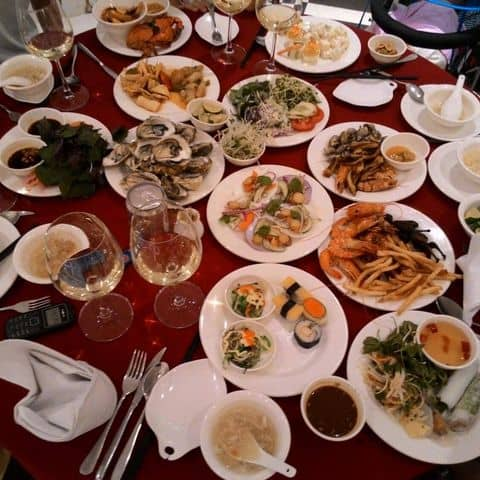 Các hình ảnh được chụp tại Nhà Hàng Buffet Sen Tây Hồ Hà Nội