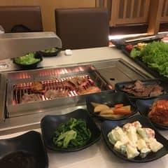 Buffet lẩu nướng của Anh Thư Phạm tại King BBQ - Hoàng Đạo Thúy - 1202559