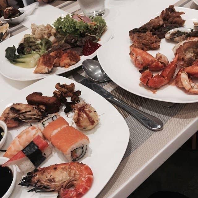 buffet tối cuối tuần của Thảo Nguyễn tại Nhà Hàng Buffet Hoàng Yến - Bitexco - 94509