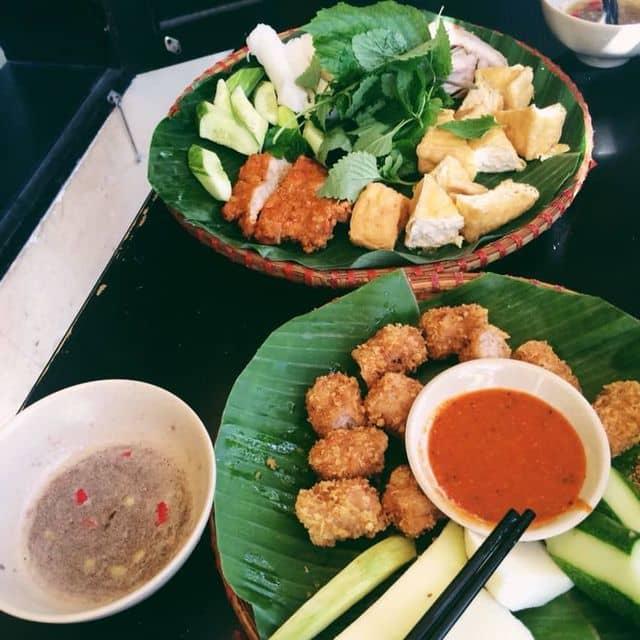 Bún đậu mắm tôm siêu ngon- nem chua rán của Tú Oanh tại Bún Đậu Homemade - Nguyễn Văn Tráng - 139046