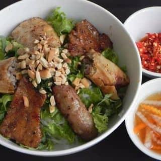 http://tea-3.lozi.vn/v1/images/resized/bun-thit-nuong-cha-gio-nem-102514-1443204896