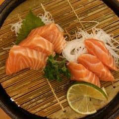 Cá hồi của Phương Lan tại Tokyo Deli - Phan Xích Long - 240457