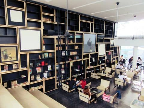 Cafe nhà sách Cá Chép