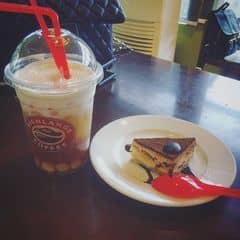 Cafe và bánh  của Linh Hương Trần tại Highlands Coffee Du Thuyền - Thanh Niên - 1052144