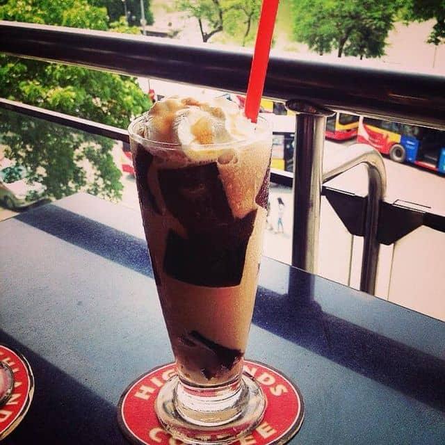 Caramel jelly freeze của Kul JP tại Highlands Coffee - Hàm Cá Mập - 4252