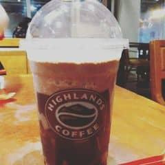 Caramel jelly freeze của Kim Phụng tại Highlands Coffee - Mạc Đĩnh Chi - 76868