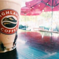 Caramel Phin Freeze của Nờ NờGờ tại Highlands Coffee - Xuân Thuỷ - 295370