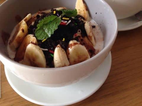 Choco bana - 308378 enhoxiupehem - SNOW Cafe - 103 Trương Định, phường 6, Quận 3, Hồ Chí Minh