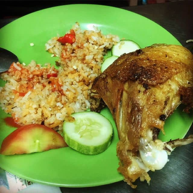 Cơm gà xối mỡ của Nguyen Anh tại Lão Hương Thân - Cơm Gà Xối Mỡ - 710