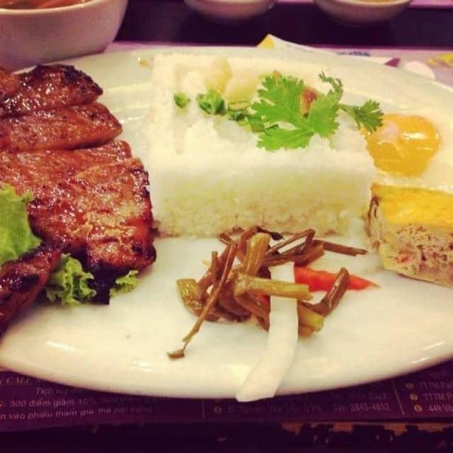 Cơm tấm của Hà Minh Ngô tại Cơm Tấm Cali 8 - 34012