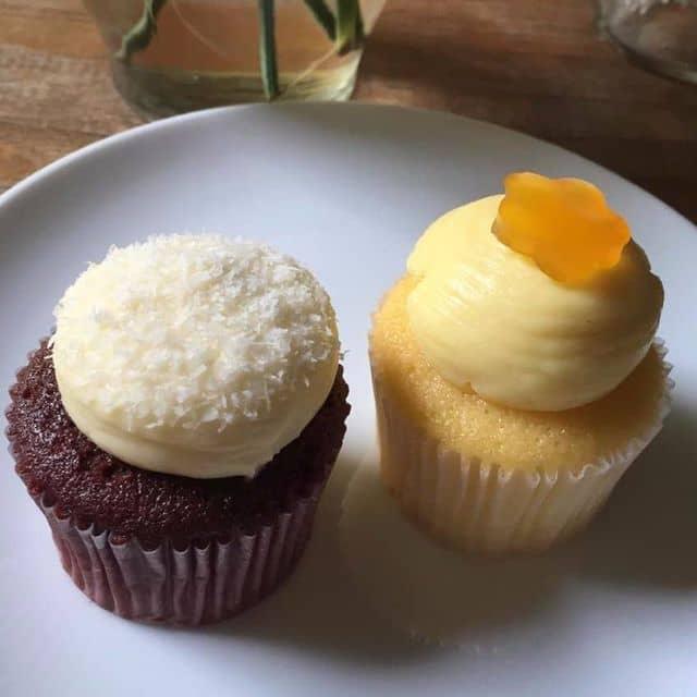 Cupcake Passion và Red Velvet của Juminian tại Pacey Cupcakes - Nguyễn Du - 119655