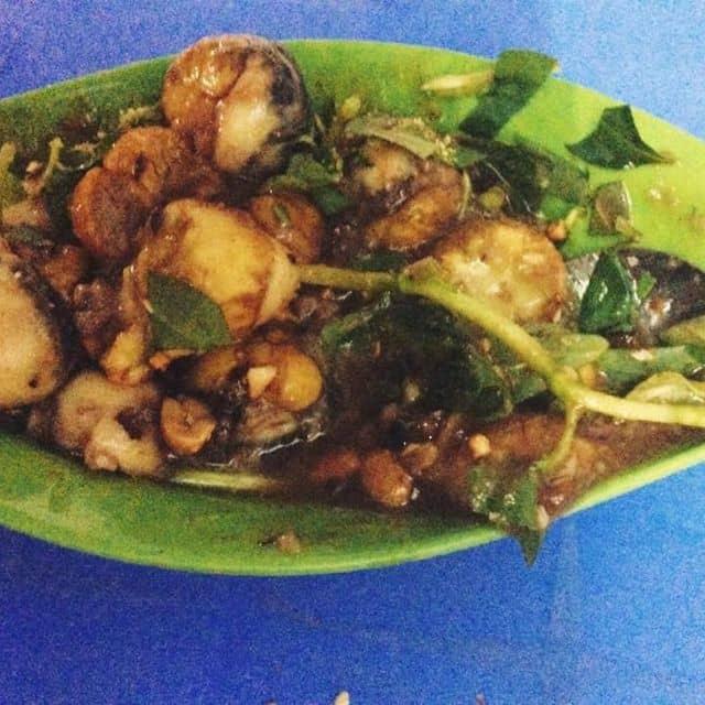 Cút lộn xào me của Mai YếnThanh tại Ăn vặt Ba Tròn - Phan Xích Long - 227263