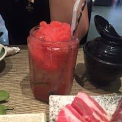 Dâu tây của Trang Oishi tại Sumo BBQ - Royal City - Buffet Nướng & Lẩu - 1193656