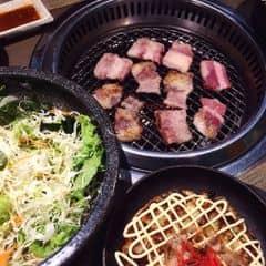 Ăn tẹt ga thịt nướng tính ra có 300k / người , thịt được tẩm ướp đậm đà vừa miệng , có nhiều lựa chọn cho khách nhé ^^