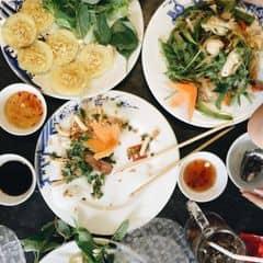 Được mỗi món nem nướng là ngon , nhưng siêu ít . Mấy món khác thì ăn hơi chán , lại đắt nữa :(