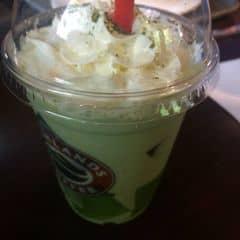 Frezze trà xanh của Hằng Trần tại Highlands Coffee - Mạc Đĩnh Chi - 206249