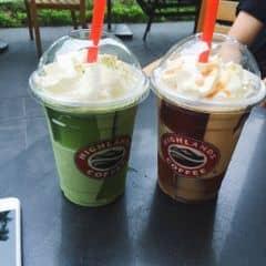 Frezze trà xanh của Pham My tại Highlands Coffee - Pacific Place - 242333