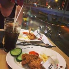 Gà cay của Khánh Linh tại KFC - Phố Huế - 284051