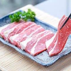 Gầu bò Úc thì biết rồi đấy T.T thơm giòn, kết hợp với vị hoa quả của sốt làm miếng thịt rất mềm, rất thơm.