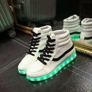 Giày LED 2 màu đen trắng của linhsully tại Cao Bằng - 1143276