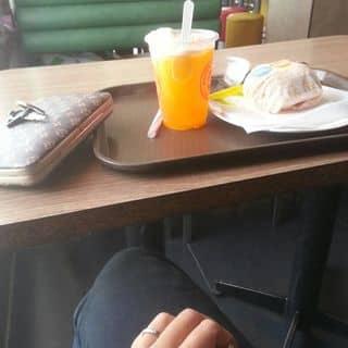 Hamburger, nước cam+kem của tranngocanh2112 tại 1 Trần Hưng Đạo, Phường 3, Thành Phố Sóc Trăng, Sóc Trăng - 728315