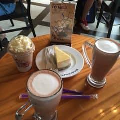 Hot chocolate with cinnamon - socola nóng và quế của Anh Ngoc tại The Coffee Bean & Tea Leaf - Thanh Niên - 420143
