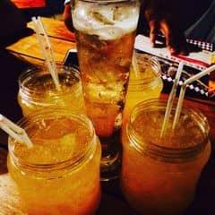 Mua vé 150k vào cổng thì đổi được 1 ly cocktail or bia nhé!  Đi 7 người thì đổi được Jam Flizz đặc biệt, nhóm mình không đủ người nên để dịp khác thử vậy😁