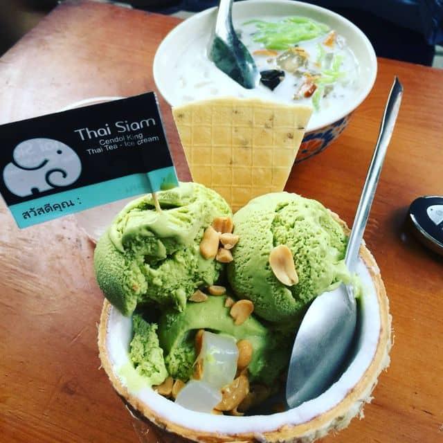 Kem trà xanh thái của Trâm Hưng tại Thai Siam - Hàng Than - 112408