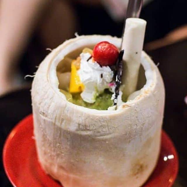 Kem trái dừa của Hằng Tống tại Bố Già 1 - Ngô Đức Kế - 3271