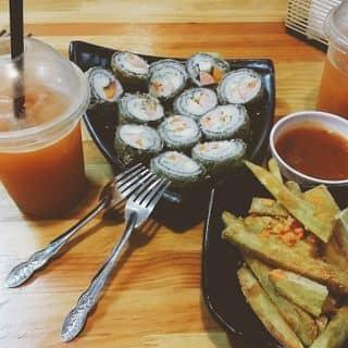 Khoai lang lắc phô mai + nước ép cà rốt + kimpap chiên của phuongthuy223 tại 132 Lê Hồng Phong, Hưng Bình, Thành Phố Vinh, Nghệ An - 2272610