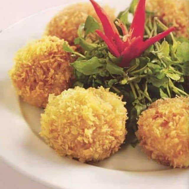 Nhà hàng Ngoại Ô - Số 63 Trần Duy Hưng, Quận Cầu Giấy, Hà Nội