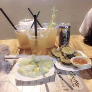 Kimbap chiên rất ngon, trà đào cũng ngon nữa. Ở đây giá rẻ, nhân viên lại dễ thương nữa. của uyennhi1205 tại 32 Bạch Đằng, Thành Phố Huế, Thừa Thiên Huế - 534702