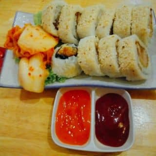 Kimbap heo chiên + khoai tây chiên + trà chanh thái xanh của lekhanhtrieu tại 13 Đường số 14 Khu Dân Cư Miếu Nổi Phường 3, Quận Bình Thạnh, Hồ Chí Minh - 3430319