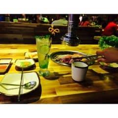 Cuối tuần sang chảnh 😘😘...các món nướng vừa ăn khỏi bàn..món cơm thì k hạp lắm..lẩu kimchi hơi nhạt nè lẩu bulgogi ngon hơn hohi