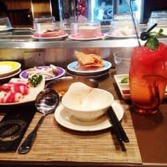 #happykichi Lần nào đi ăn cũng thích ngồi đầu để lấy hết thịt bò .. Thịt bò ở đây kiểu có chất gây nghiện =)))