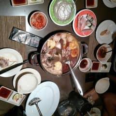 Lẩu băng chuyền kichi của Nguyễn Phương Quỳnh tại Lẩu Băng Chuyền Kichi Kichi - Phạm Ngọc Thạch - 38109