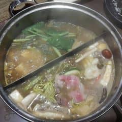 Lẩu băng chuyền kichi của Le Nhat Linh tại Lẩu Băng Chuyền Kichi Kichi - Cao Thắng - 991760