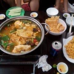 Nồi lẩu bé ăn 3-4 người mới hết, giá rẻ, phục vụ tận tình, đến ăn lần thứ 2 mà a chủ quán vẫn nhớ mặt :)))