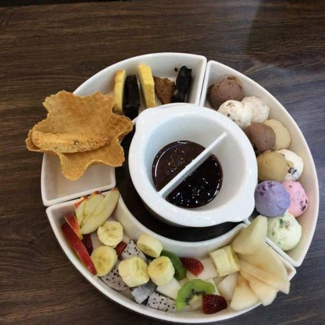 Lẩu kem của Huân Hàm Thu tại BUD'S Ice Cream - Vincom Center A - 68047
