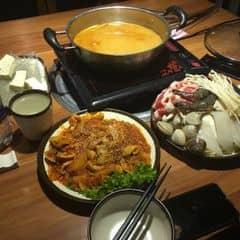 Lẩu tomyum chua cay của Ngân Nguyễn tại King BBQ - Royal city - 243678