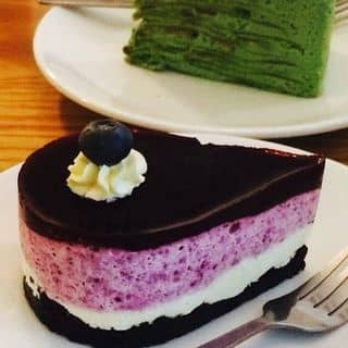 http://tea-3.lozi.vn/v1/images/resized/matcha-mille-crepe-and-blueberry-cheescake-85884-1438083250