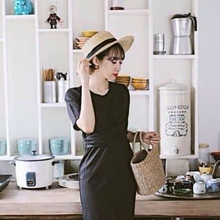 Mẫu basic hot hit đây‼️‼️ Váy suông thắt eo , mặc đc cả 2 kiểu buộc trước hay sau đều ok  Giá lẻ chỉ : 215  Chất liệu : thun sợi mịn đẹp của boocuteo tại Hồ Chí Minh - 3457552